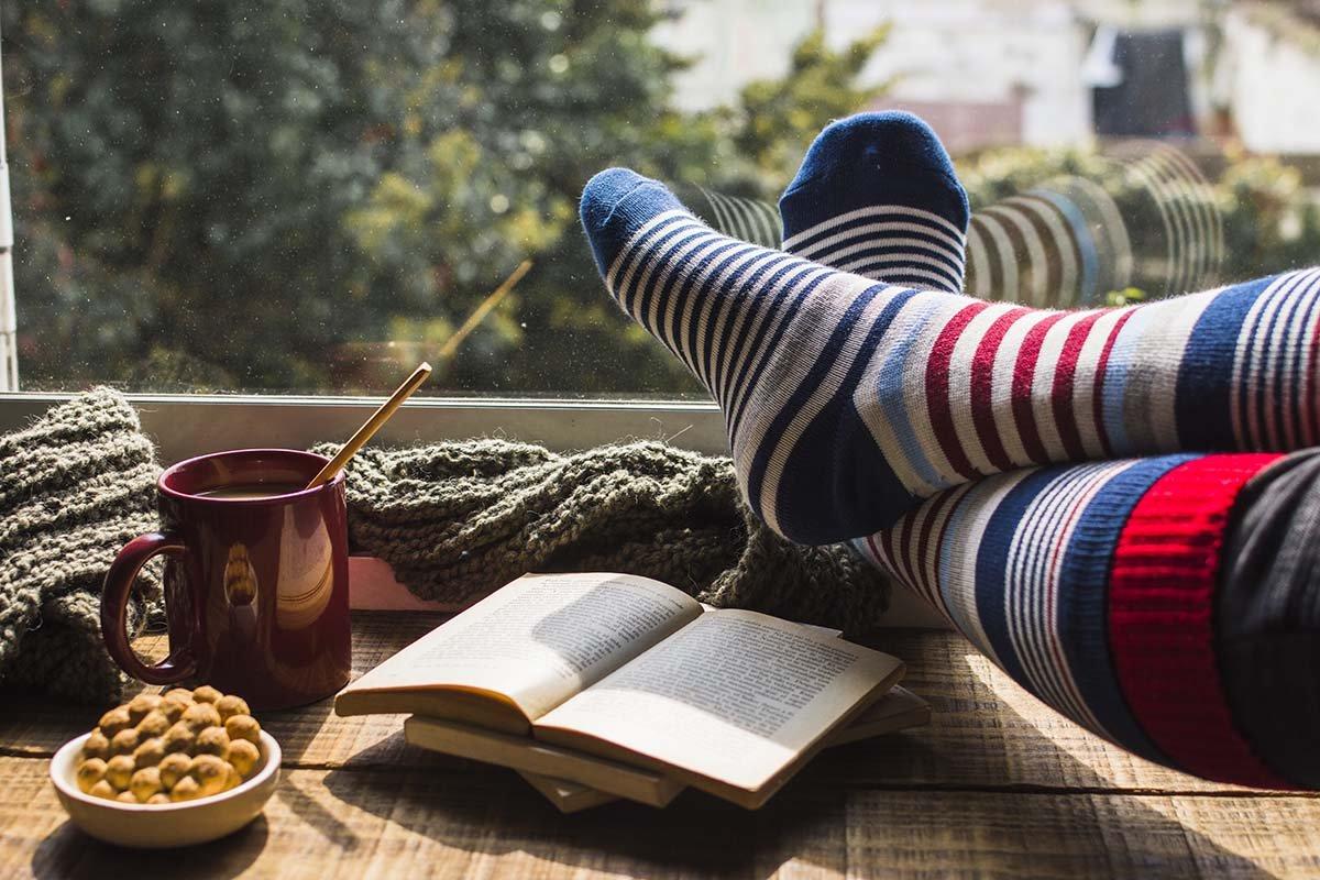 Что будет, если натягивать носки перед сном и не снимать всю ночь