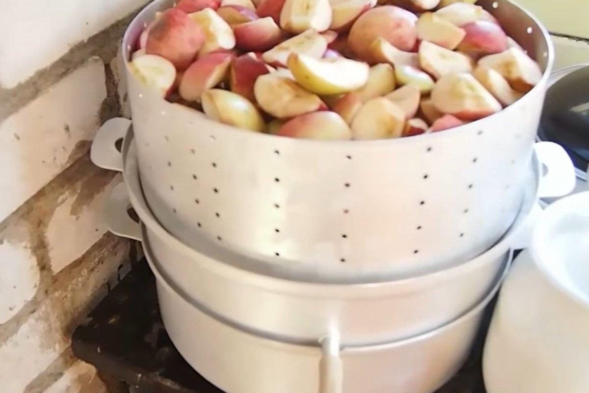 Как делать домашний яблочный сок в соковарке