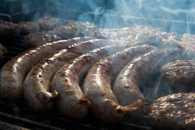 Что приготовить, когда муж молча привозит мясо и едет дальше по делам Кулинария,Советы,Духовка,Колбаса,Мясо,Свинина,Чеснок