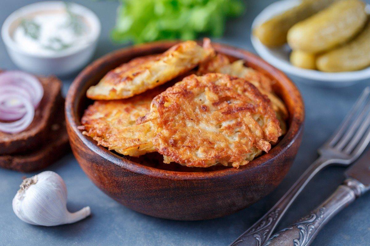 Как измельчить картофель для драников, чтобы свадьбу ними накормить