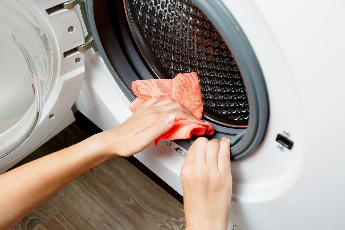 Дверца стиральной машинки и нужно ли ее закрывать