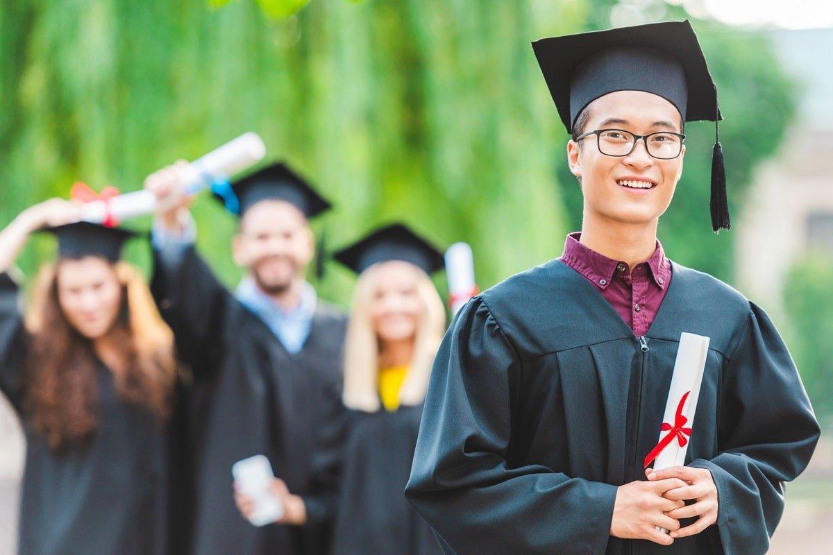 Влияет ли образование на трудоустройство