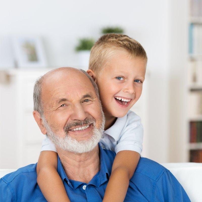 Интеллект не передается от отца к сыну, никогда! Вот от кого тебе достался светлый ум.