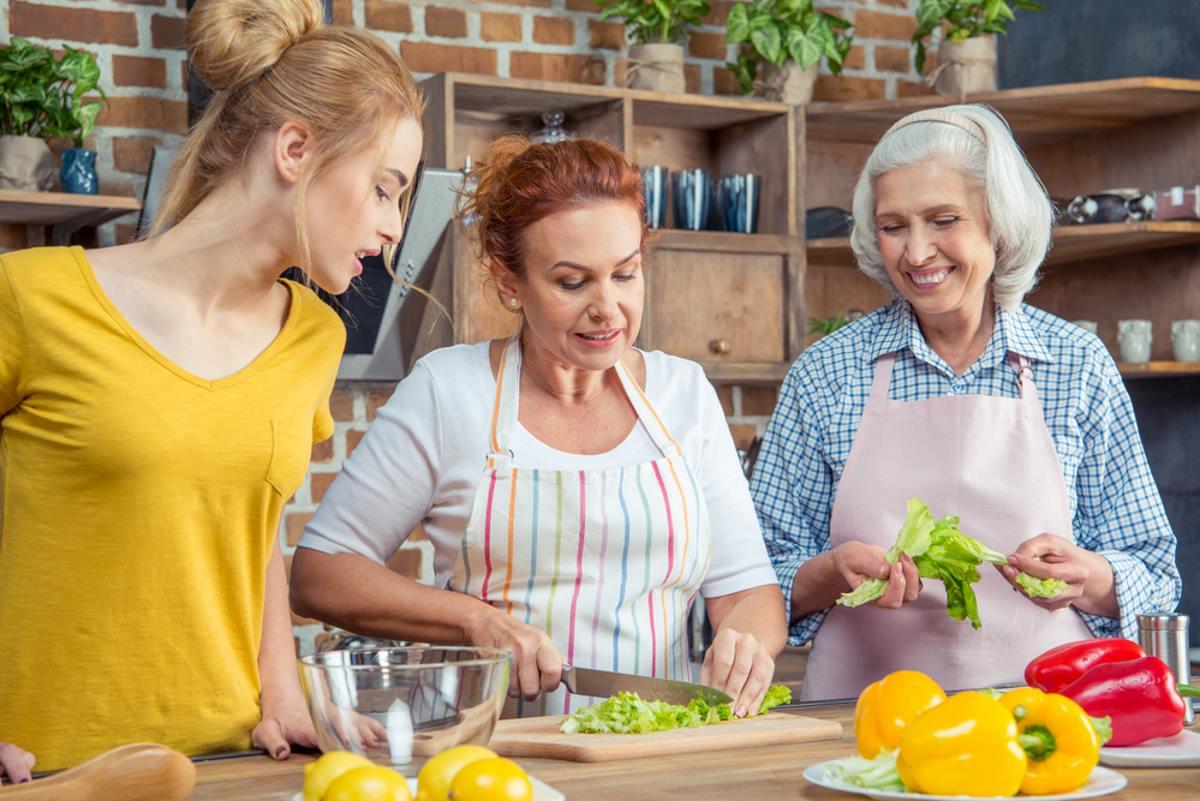 Глубокая старость: почему взрослые дети редко навещают родителей