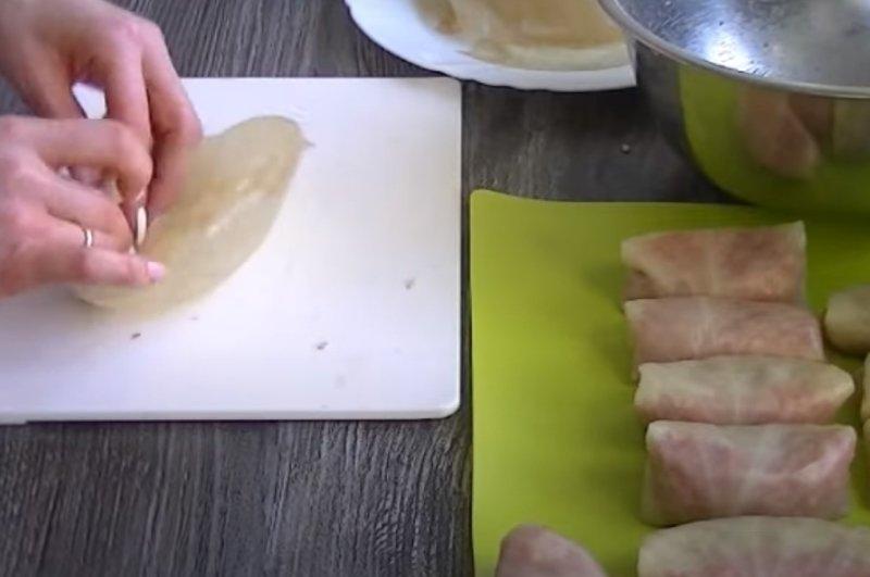 голубцы в соусе в духовке