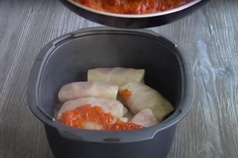 голубцы в сметанно томатном соусе в духовке