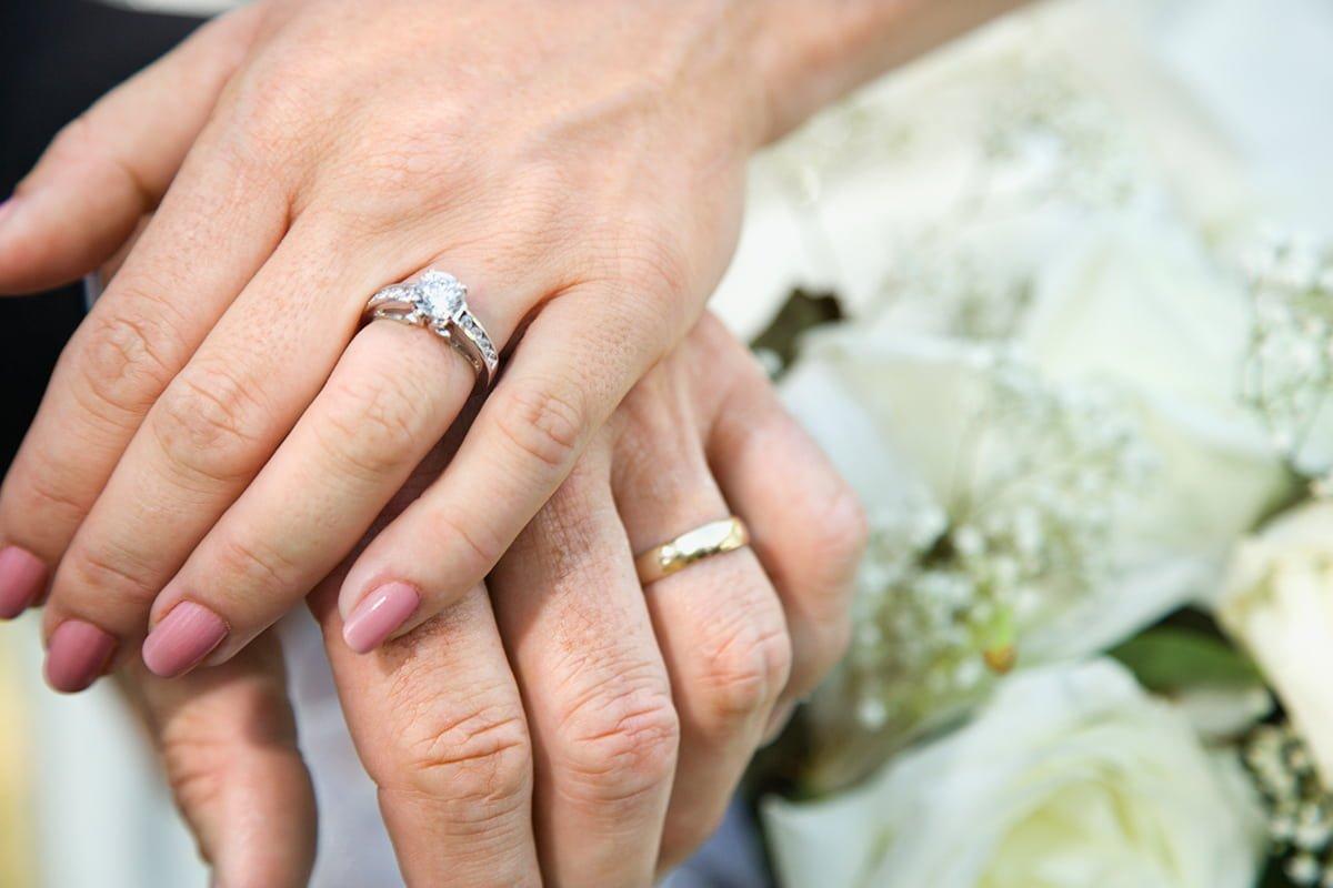 Почему звезды смело выбирают гостевые браки