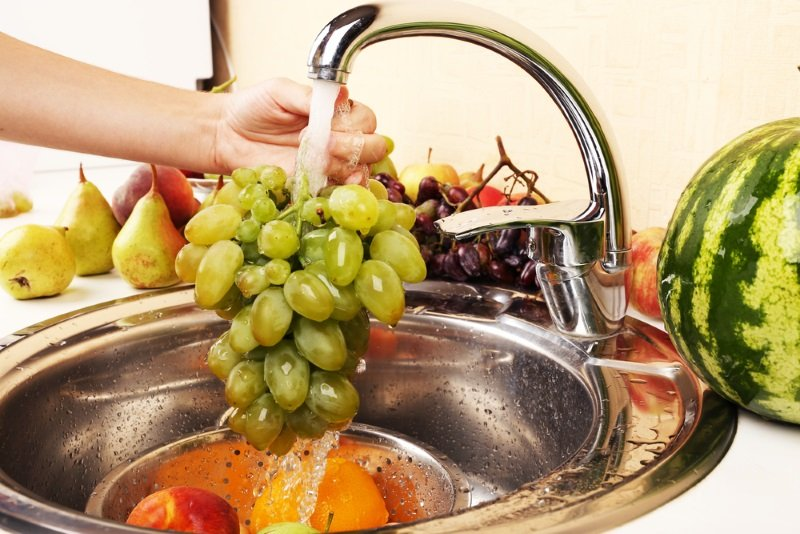 как закрутить виноград на зиму