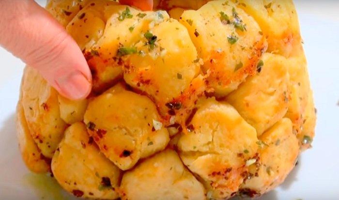 хлеб с чесноком и сыром