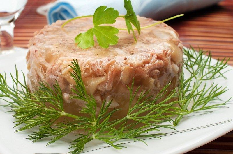 Ароматное заливное из сайры: просто кладу все ингредиенты в мультиварку, и через 30 минут блюдо готово