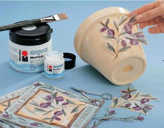 Не спеши выбрасывать старые вещи… Возьми клей ПВА, салфетки, лак и сотвори красоту!