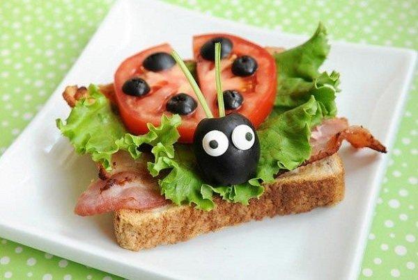бутерброд божья коровка