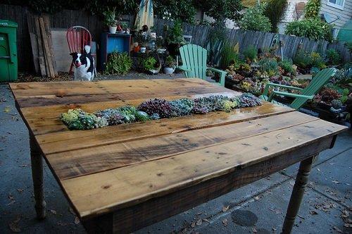 стол на улице