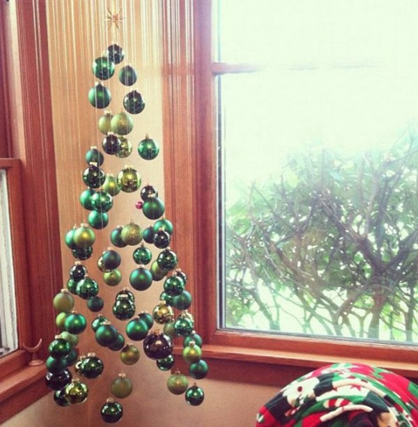елка из игрушек