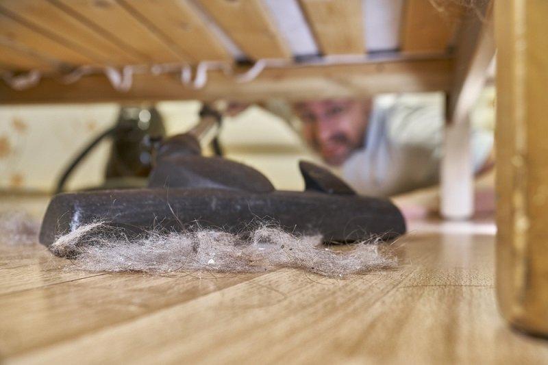 уборка под кроватью