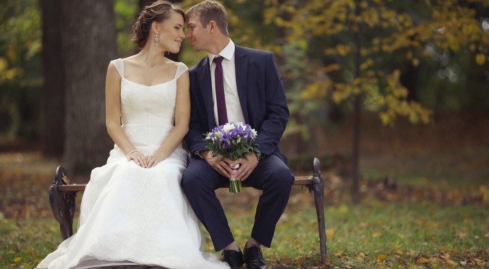 Представь, что завтра выходишь замуж и выбери фату для застенчивой невесты