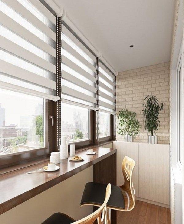 стильный интерьер балкона или лоджии