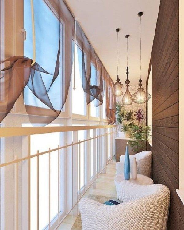 интерьер балкона из дерева