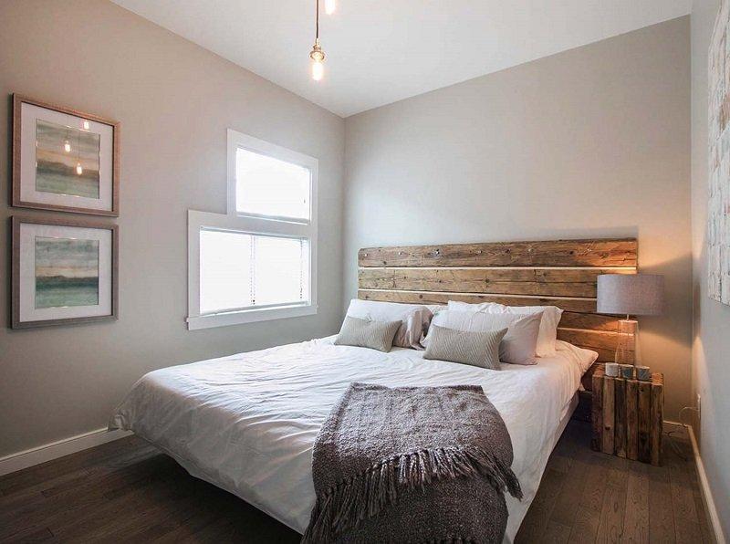 интересный интерьер маленькой спальни