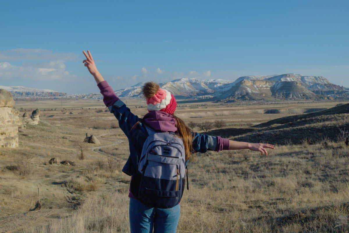 как поднять себе настроение во время месячных