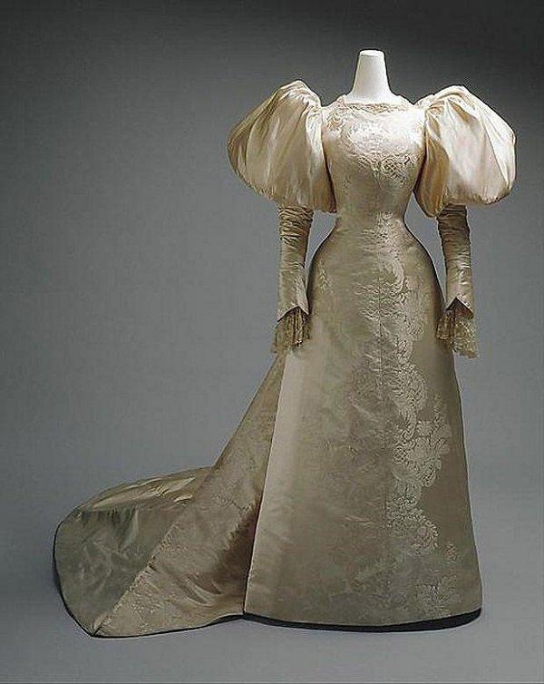 старинное свадебное платье 1889 года