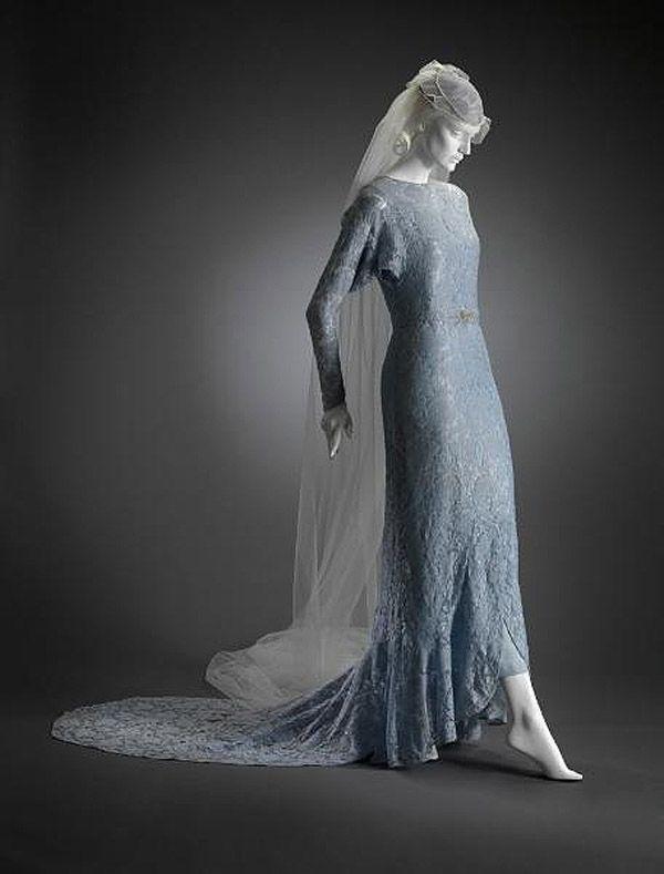 старинное французское свадебное платье