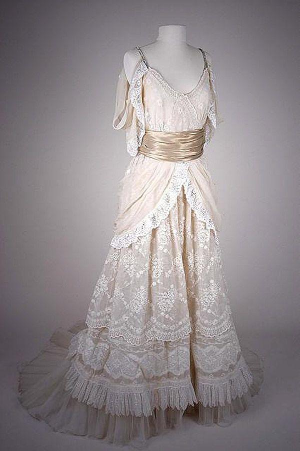 Платье от Кристиана Лакруа