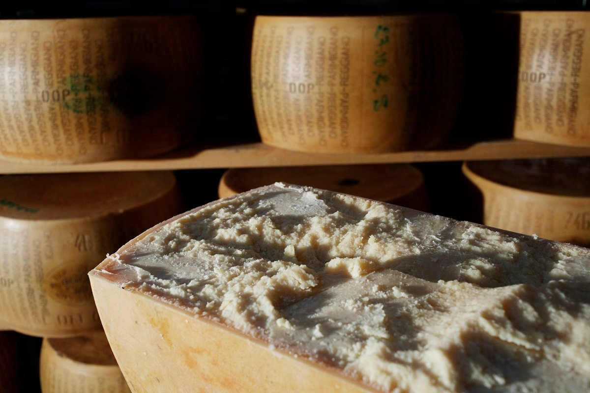 Фланируя по итальянскому супермаркету, заметила в продаже сырные корочки и сильно удивилась Кулинария,Советы,Еда,Италия,Лайфхаки,Магазин,Отходы,Сыр,Традиции