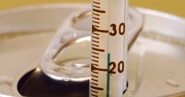 С помощью этого трюка ты сможешь охладить любой напиток всего за 2 минуты на целых 20 градусов!