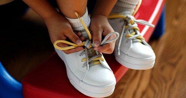 Легкий способ для быстрого завязывания шнурков. Бесценный совет, когда нужно спешить.