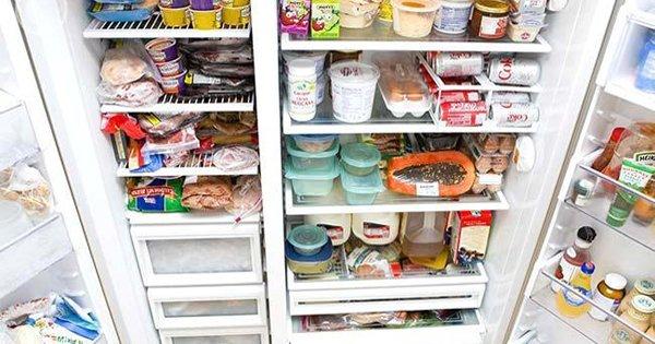 Хозяйкам на заметку! Как долго можно хранить (почти) всё в холодильнике, морозилке и кладовой.