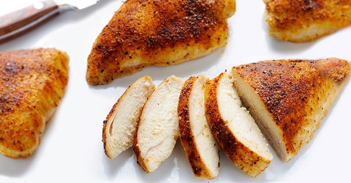 5 простых правил, благодаря которым куриная грудка всегда получается сочной.