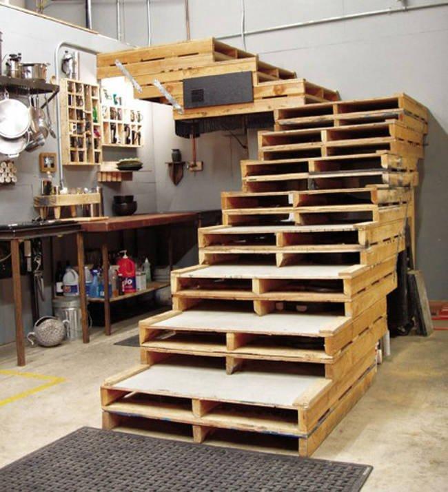 ступеньки из деревянных поддонов