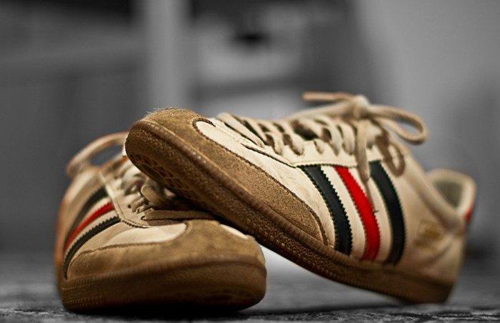грязные кроссовки