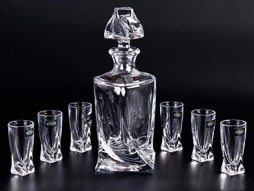 графин і склянки