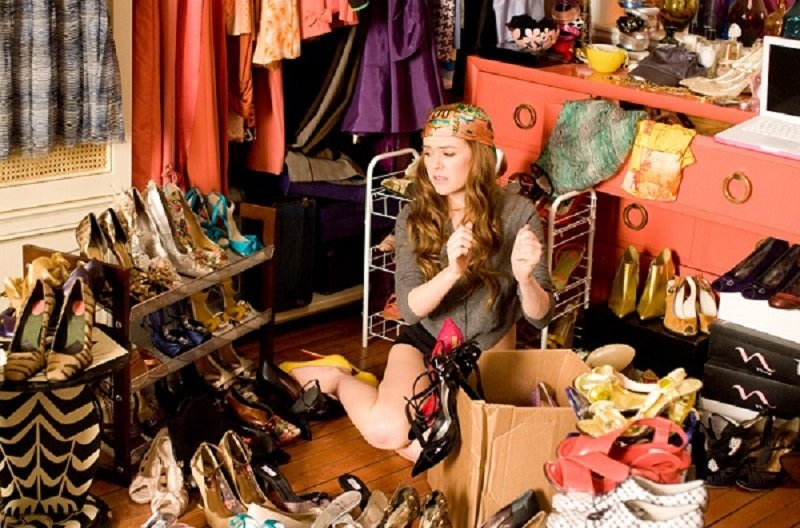 девушка и обувь