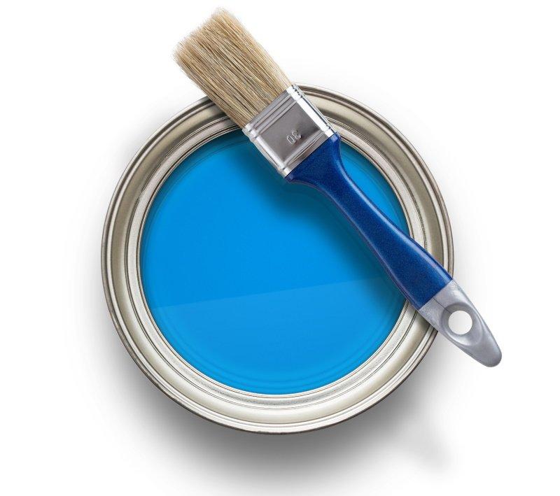 как красить стены колером
