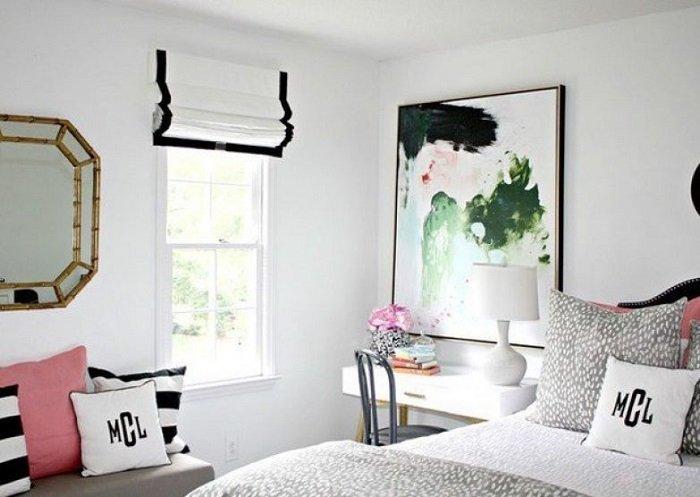 как оформить окна в спальне