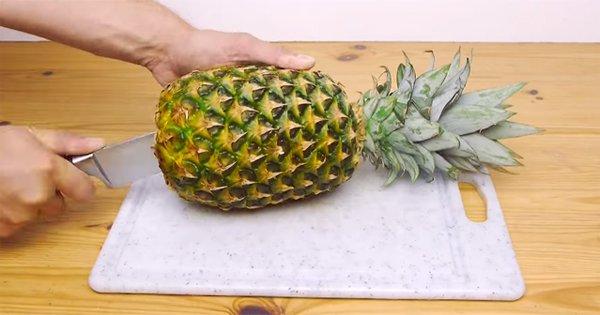 Укрась свой стол этим тропическим фруктом. Узнай, как можно красиво подать ананас.