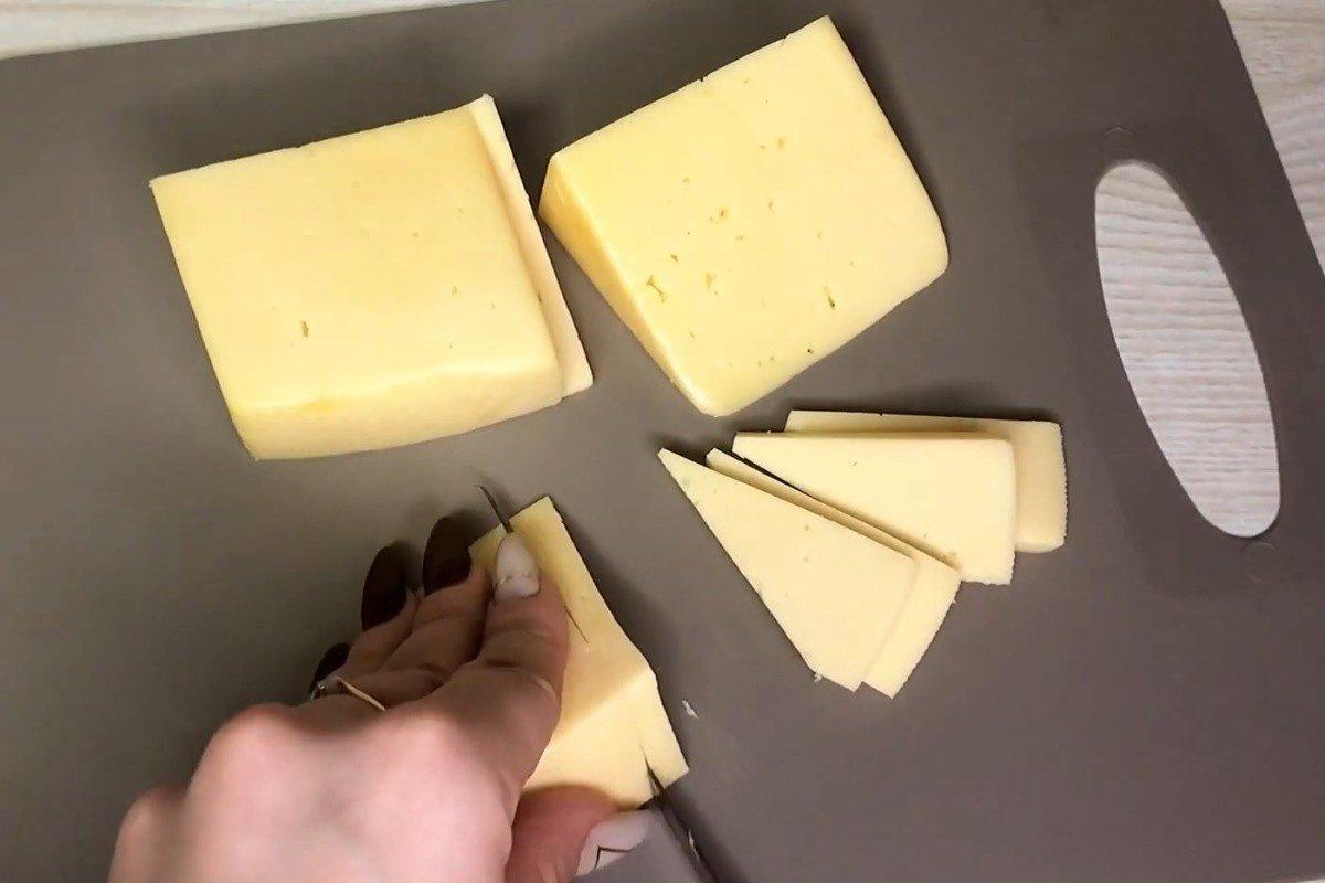 как нарезать сыр без ножа