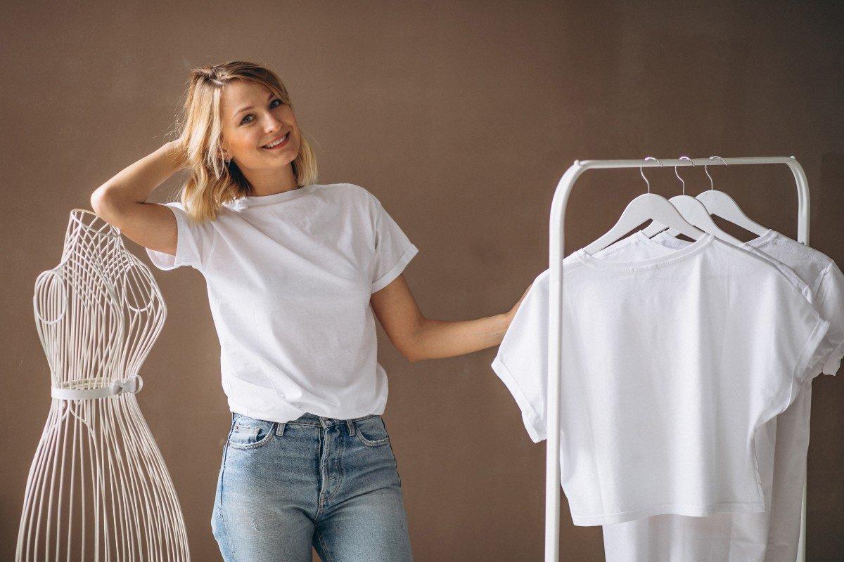 Обычная футболка будет выглядеть на штуку баксов, если носить ее по примеру стилиста