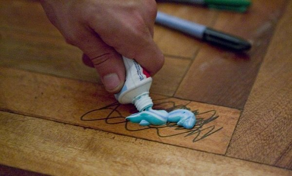 маркер на полу