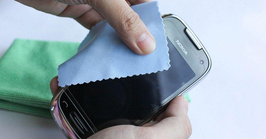 Как очистить мобильный от бактерий