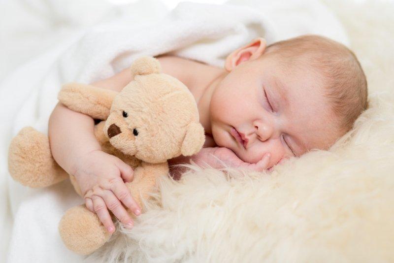 Мамочки, перестаньте себя мучить: как раз и навсегда отучить ребенка от материнских рук