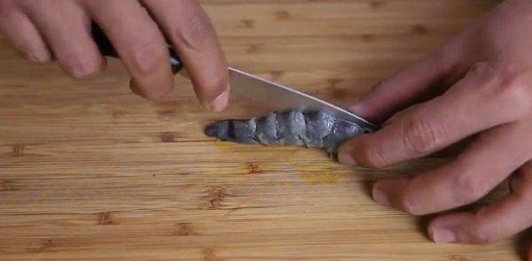 как чистить креветки