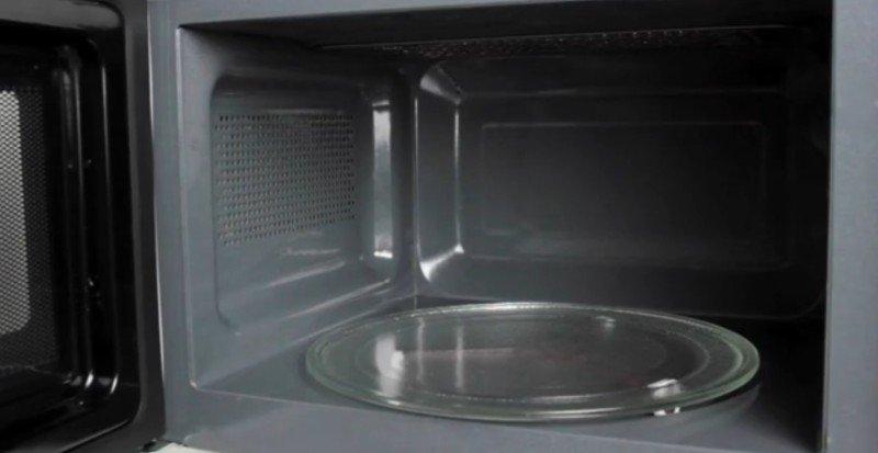 ako umývať mikrovlnnú rúru