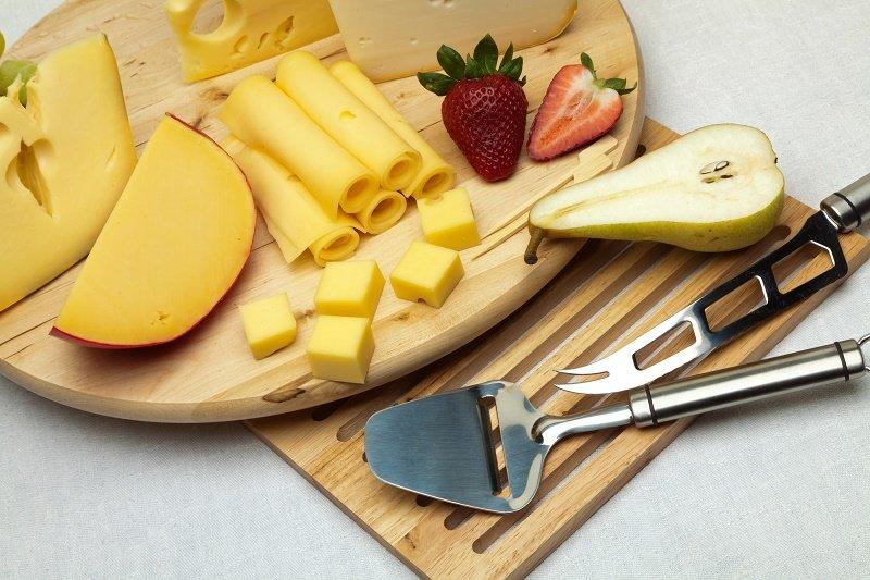 как подать сыр на стол