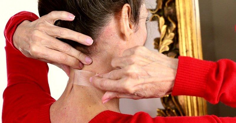 utiahnite pokožku krku doma