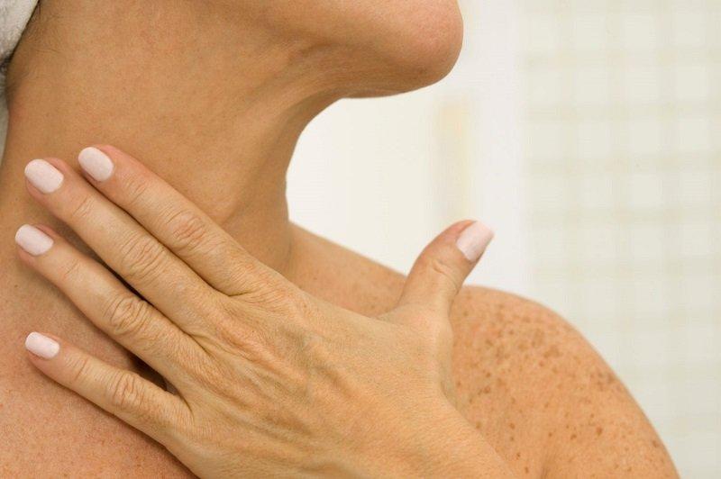 как можно подтянуть кожу шеи