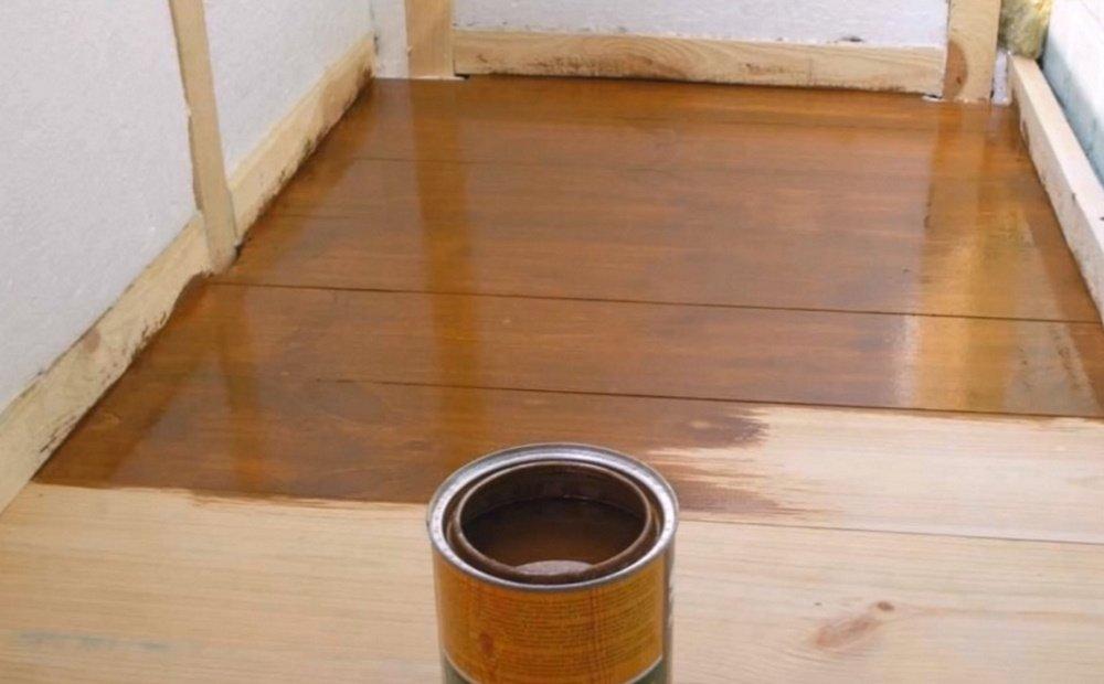 Как покрасить балкон и деревянные оконные рамы правильно